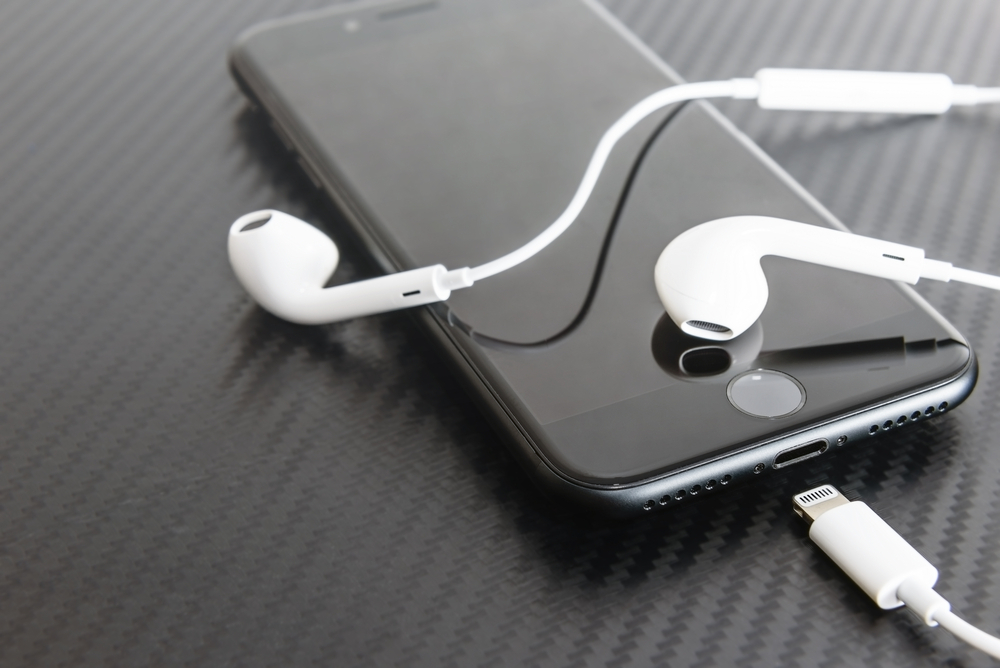headphones jack not working on iphone